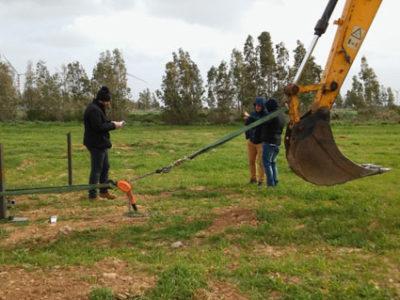"""PRUEBAS DE HINCADO """"RAMMING POLE TEST"""" PARA UNA PLANTA SOLAR FOTOVOLTAICA EN CERDEÑA (ITALIA)"""